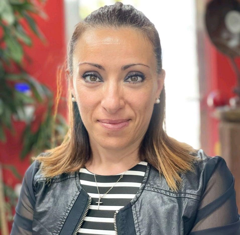 Rosa Iudici: Donna Leader d'Azienda Impegnata nel Sociale